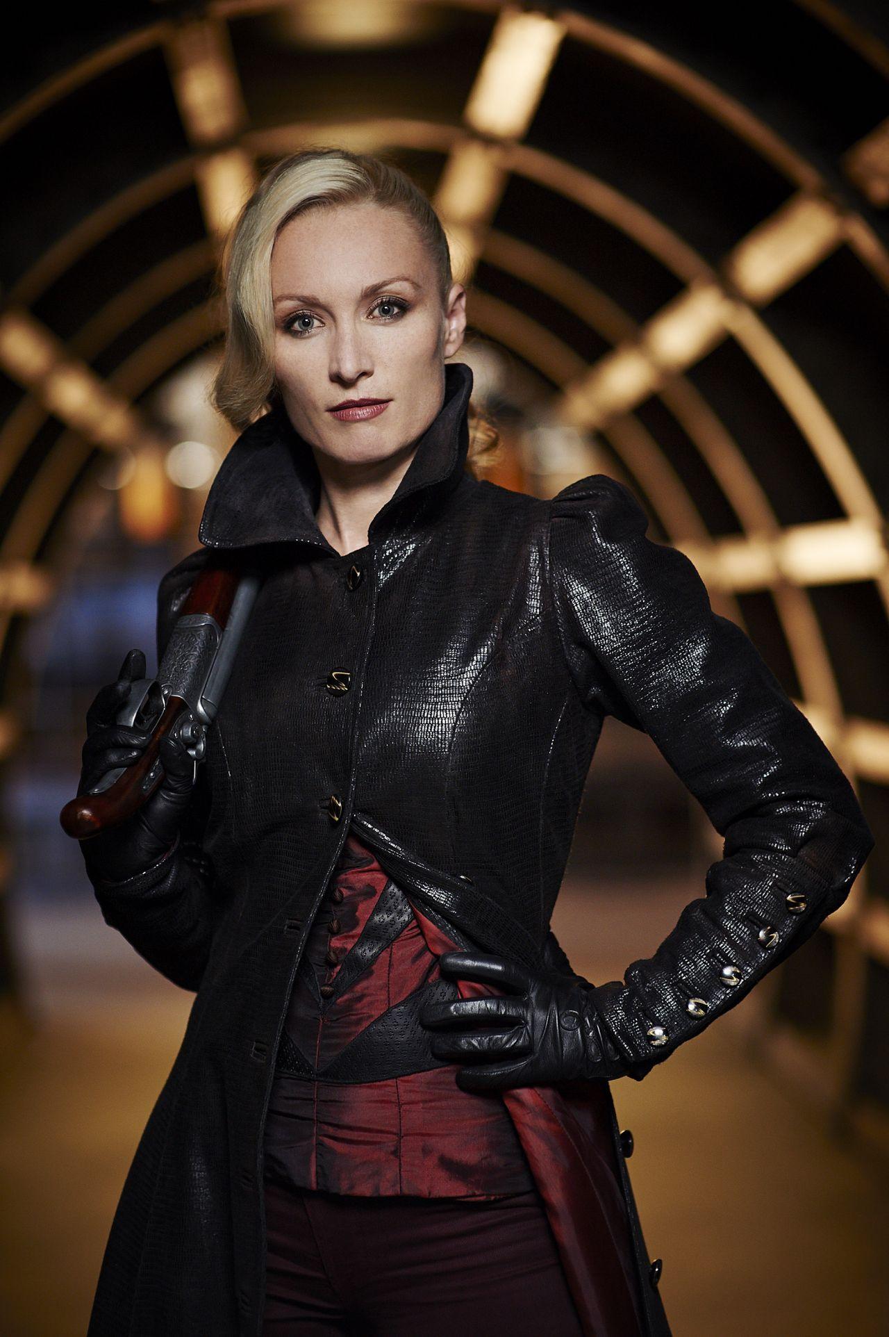 Jessica De Gouw, Katie McGrath, Victoria Smurfit - Dracula ...