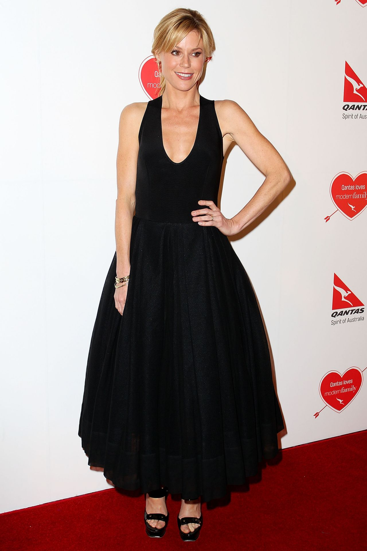 Julie Bowen on Red Carpet - Modern Family Media Call in Sydney, Australia