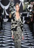 Karlie Kloss Runaway Photos - Diane von Furstenberg Fashion Show 2014 in New York City