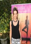 Kate Beckinsale Positively Glowing at Yoga Fundraiser Benefit for Breast Center in Los Angeles