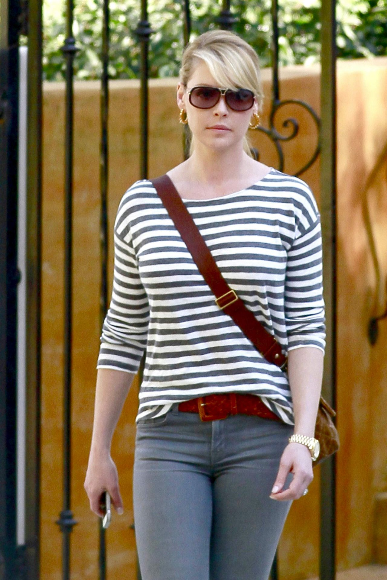 Katherine Heigl - House Hunting in Los Angeles, February 2014
