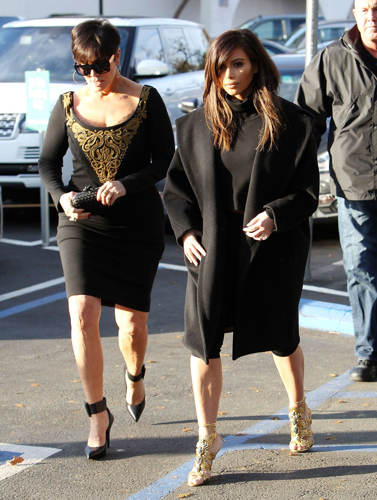 Kim Kardashian - Lunch With Mom Kris Jenner at Fins Seafood Grill Westlake Village - february 2014