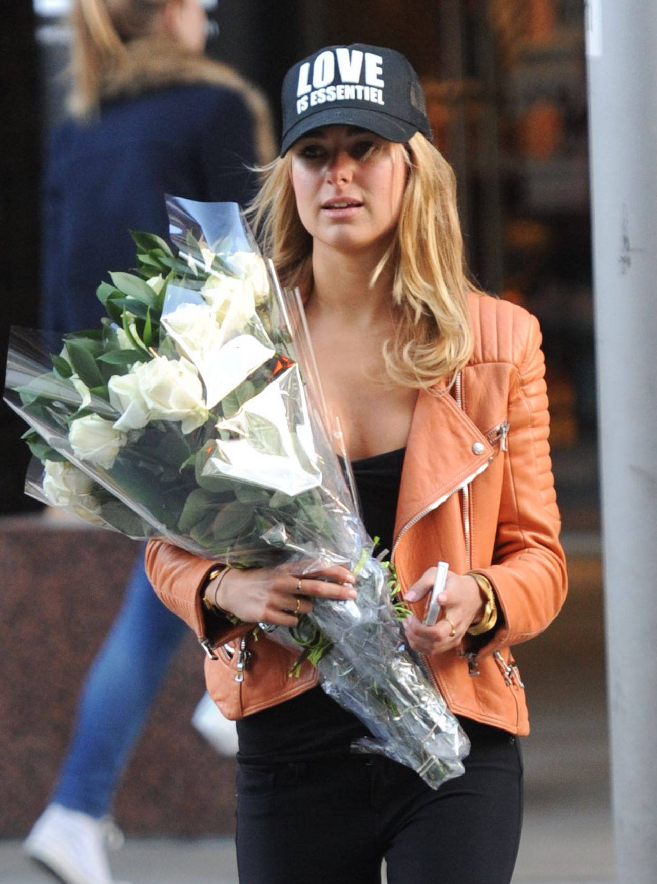 Kimberley Garner Street Style  - Buying Flowers in London, February 2014