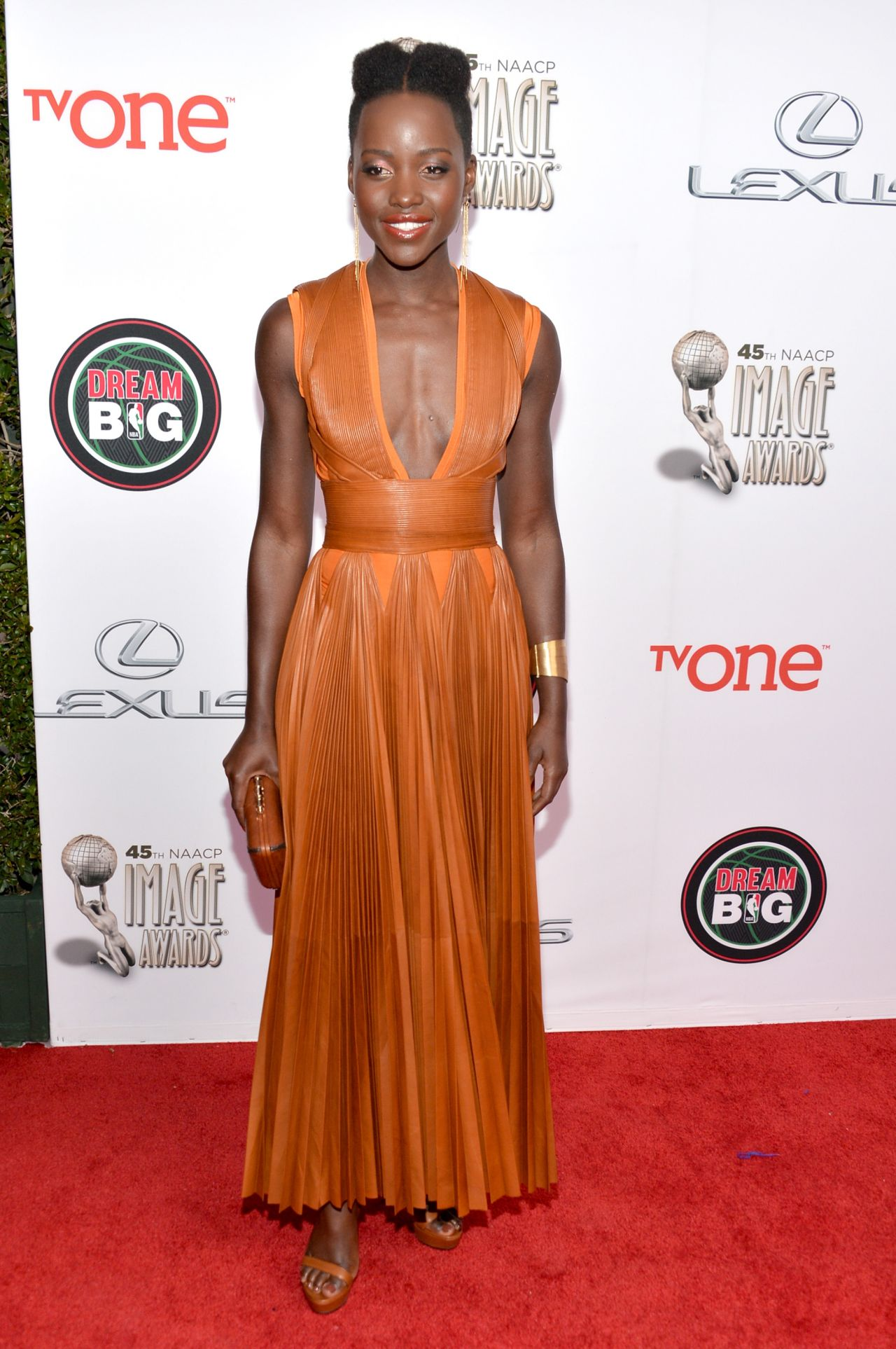 Lupita Nyong O Wearing Givenchy Dress 2014 Naacp Image Awards In Pasadena