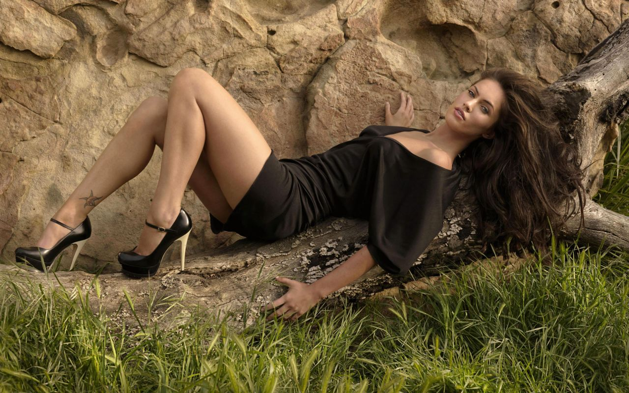 Megan Fox Hot Wallpapers (+19)