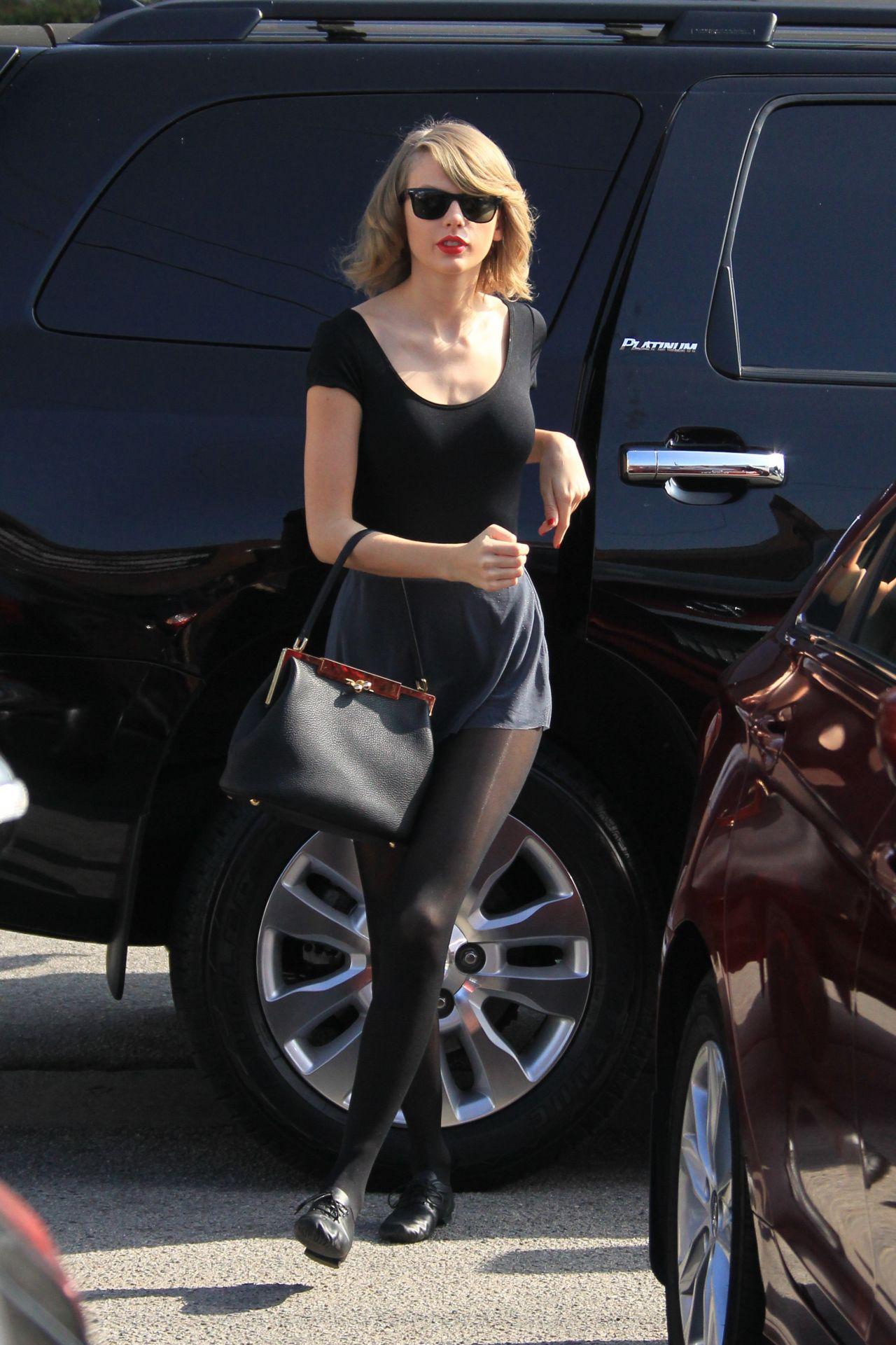 Taylor Swift Street Style At A Dance Studio In Los Angeles Feb 2014 Celebmafia