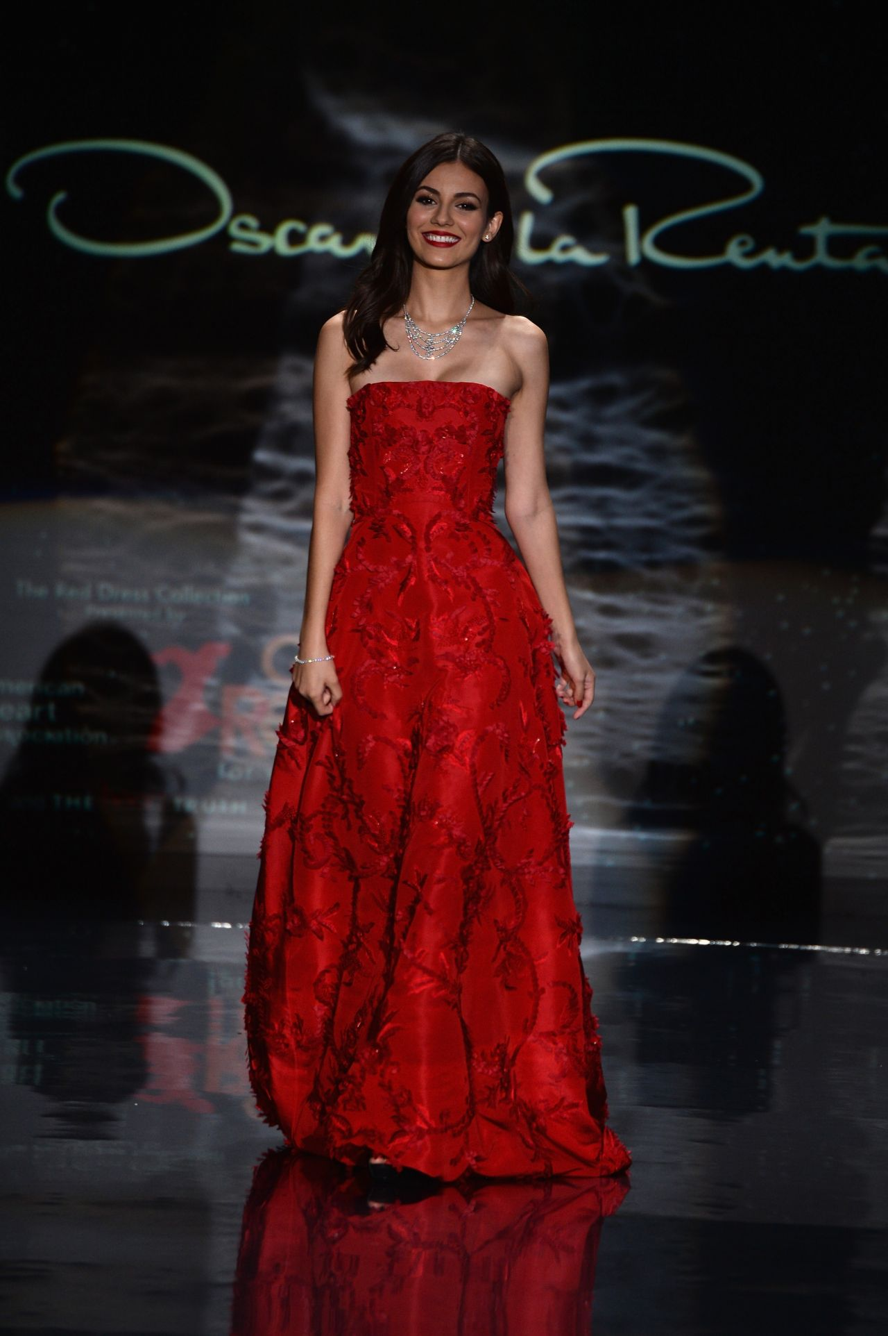 Victoria Justice - Red Dress Collection Fashion Show in ... Red Dresses Om