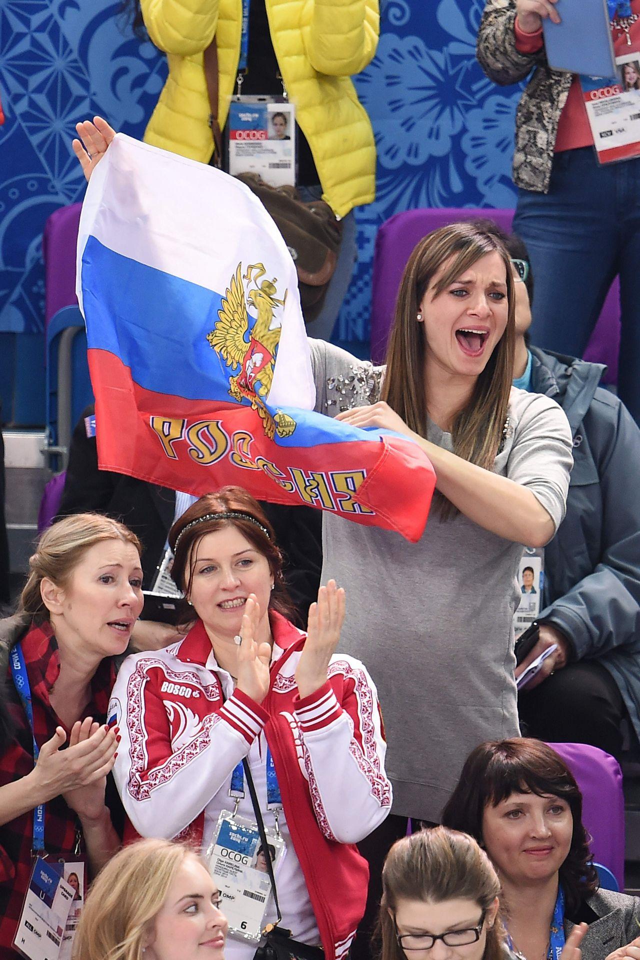 Елена исинбаева и ребенок фото