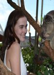 Zoey Deutch Visited Sydney Zoo – Australia, Feb. 2014
