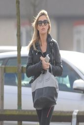 Abbey Clancy Wearing Spandex - Shopping at Brent Cross Ikea