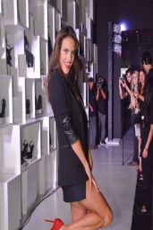Alessandra Ambrosio - 2014 Schultz Winter Collection Fashion Show - Sao Paulo (Brasil)