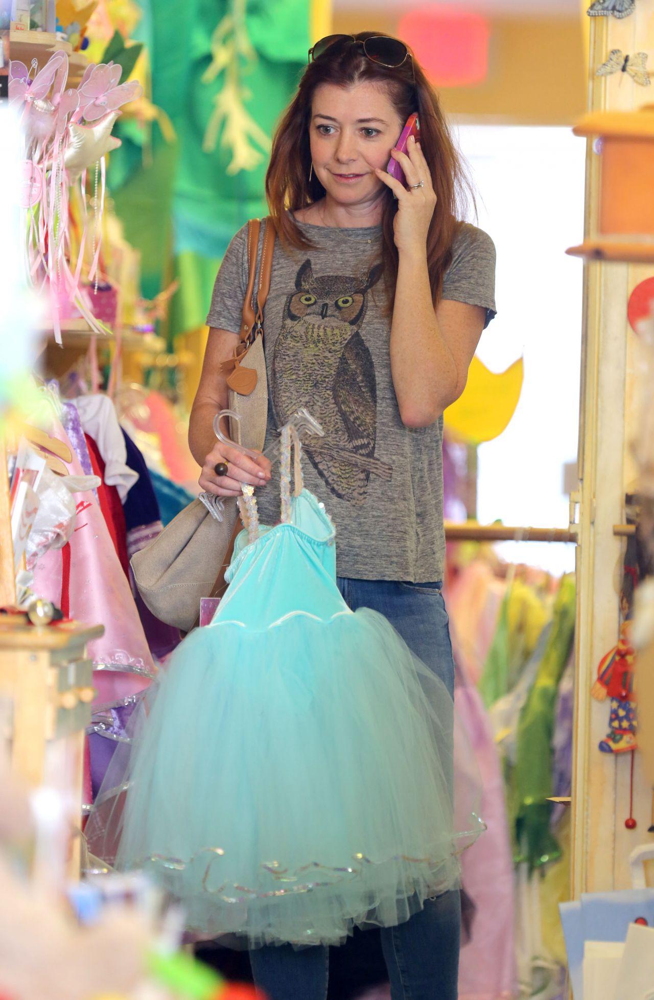 Alyson Hannigan Shops For Princess Dresses For Her