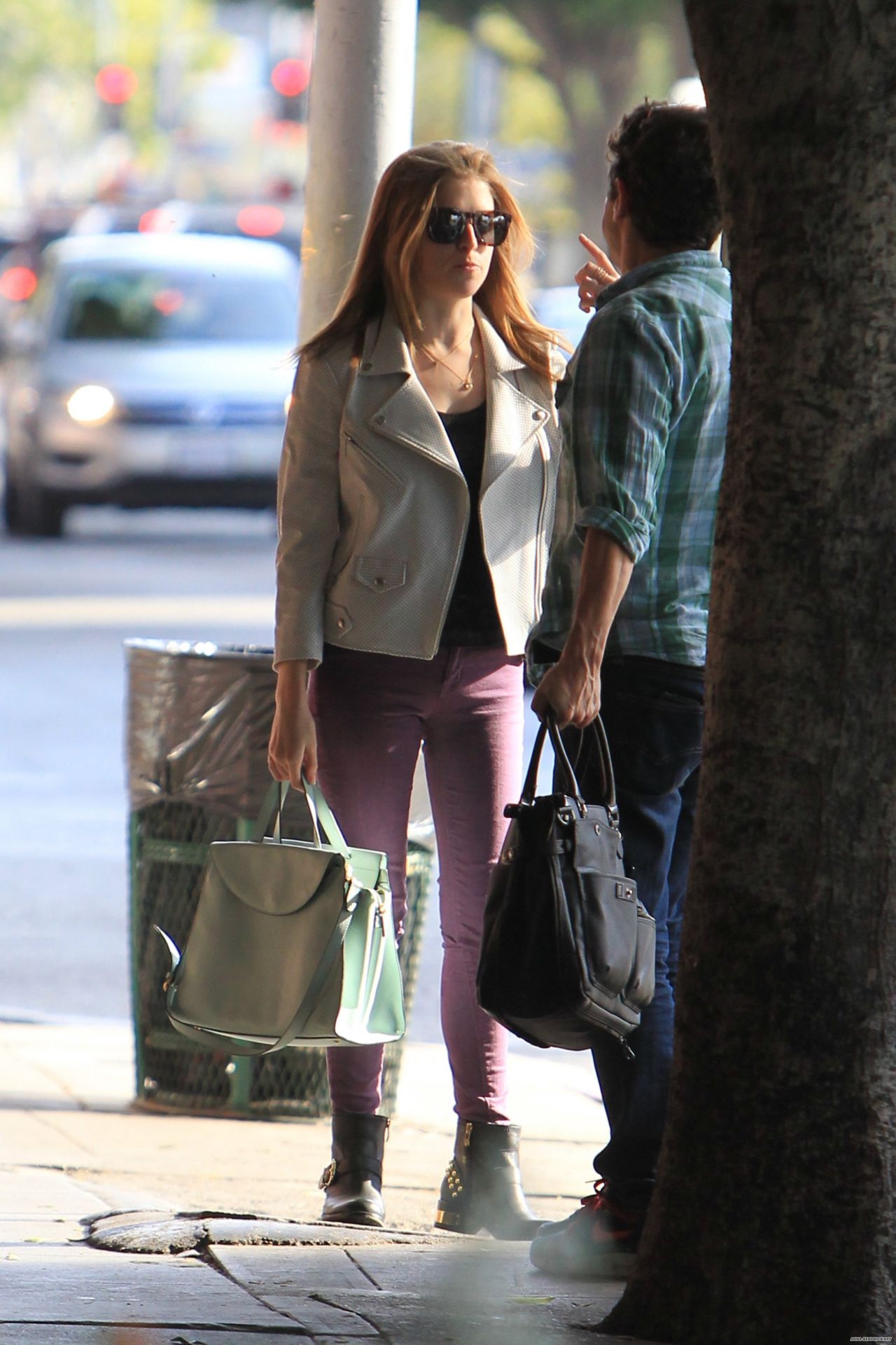 Anna Kendrick Casual Style Leaving A Restaurant In Los
