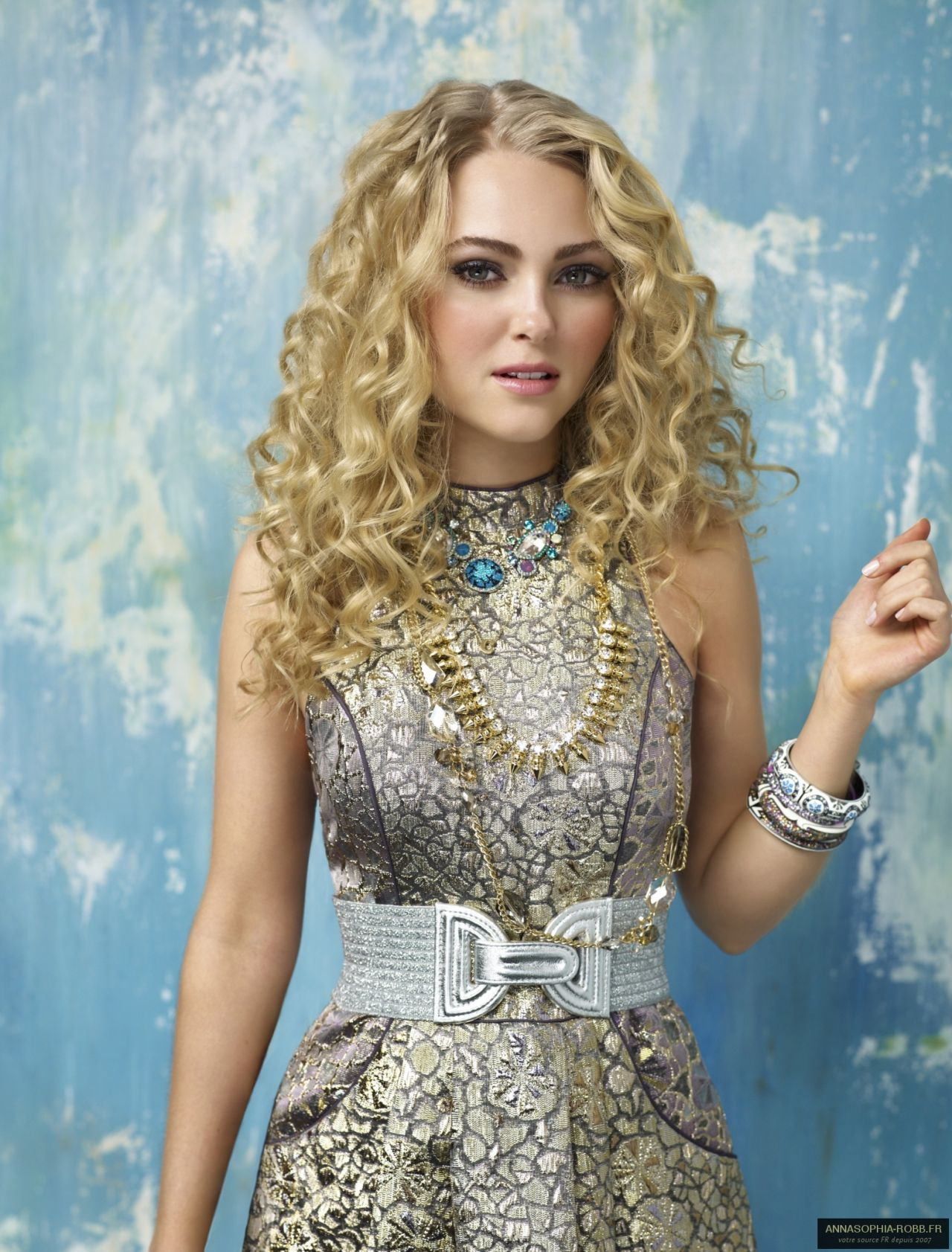 Carrie Bradshaw | The Carrie Diaries Inspired Make-Up & Hair Tutorial | eyecocoabeauty