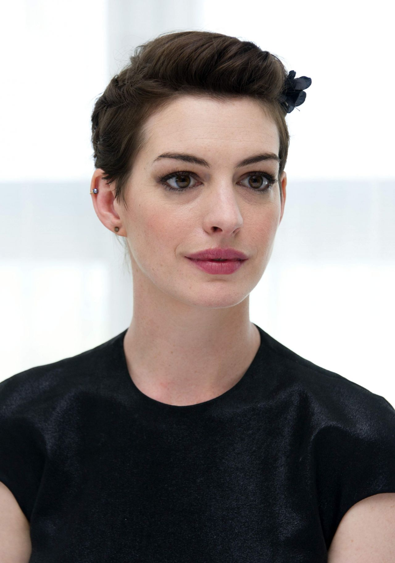 Anne Hathaway - 'Rio 2' Movie Press Conference at the ...