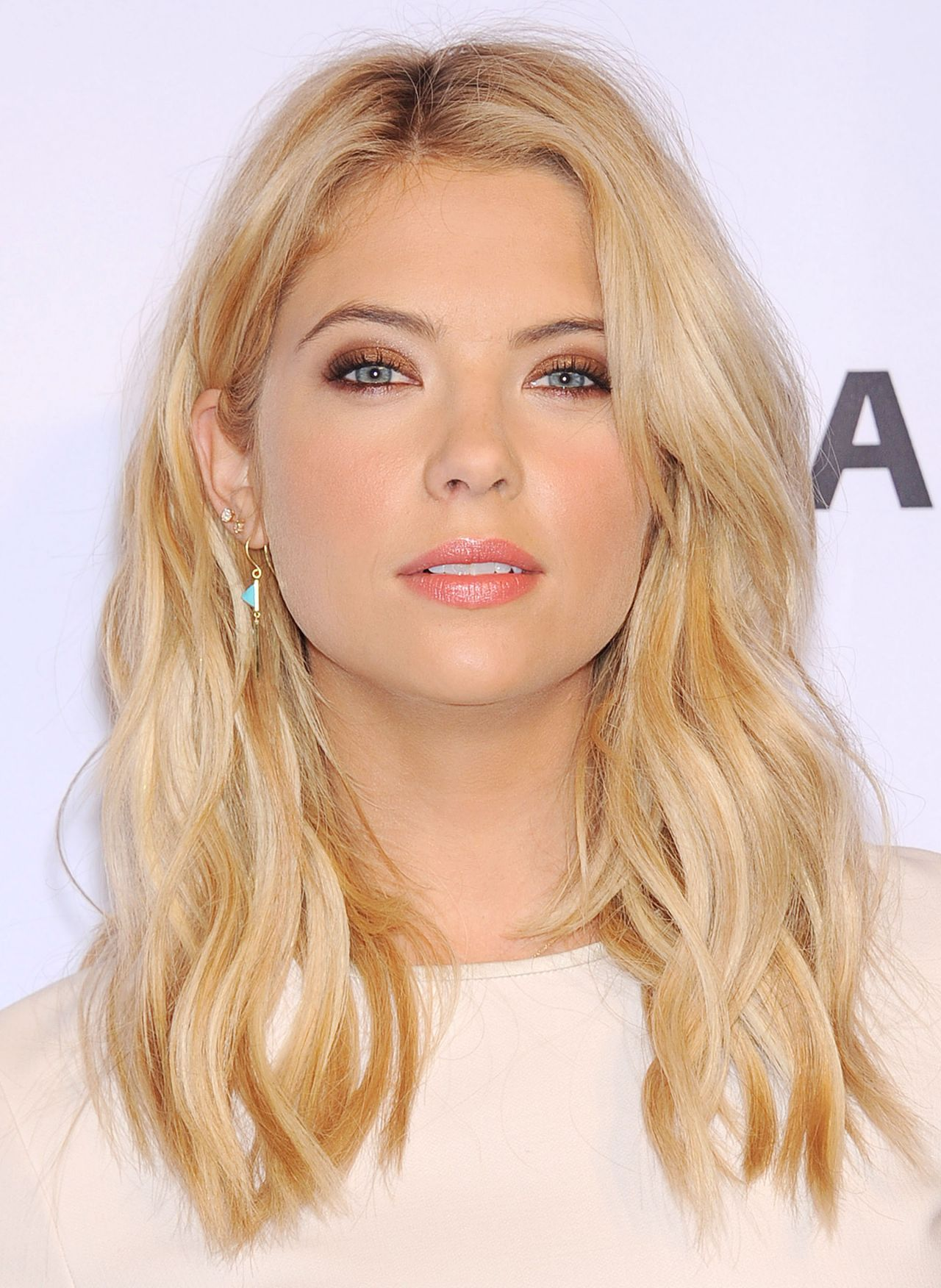 Ashley Benson's On-Screen Makeover For 'Pretty Little ...