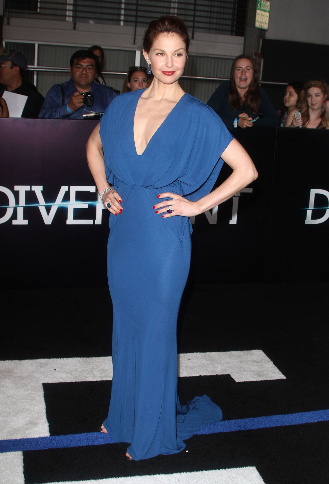 Ashley Judd Wearing Elie Saab V-Neck Dress - 'Divergent' World Premiere in Los Angeles
