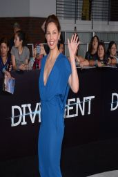 Ashley Judd Wearing Elie Saab V-Neck Dress - 'Divergent' World Premiere in Los Angeles
