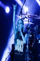 Avril Lavigne Performs in Taipei - China, March 2014