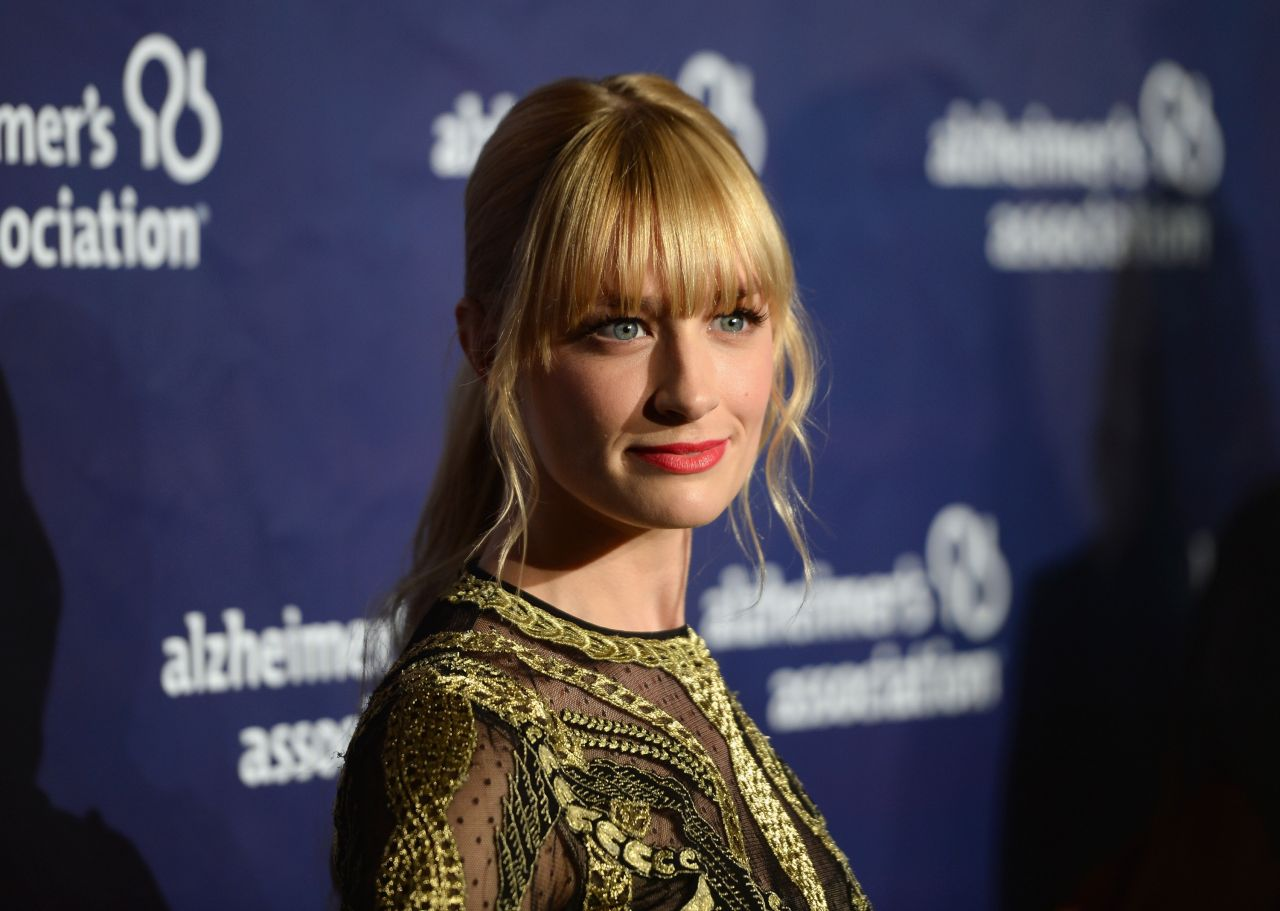 Beth Behrs - 2014