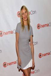 Cameron Diaz in Victoria Beckham Frock - 20th Century Fox Special Presentation in Las Vegas - March 2014