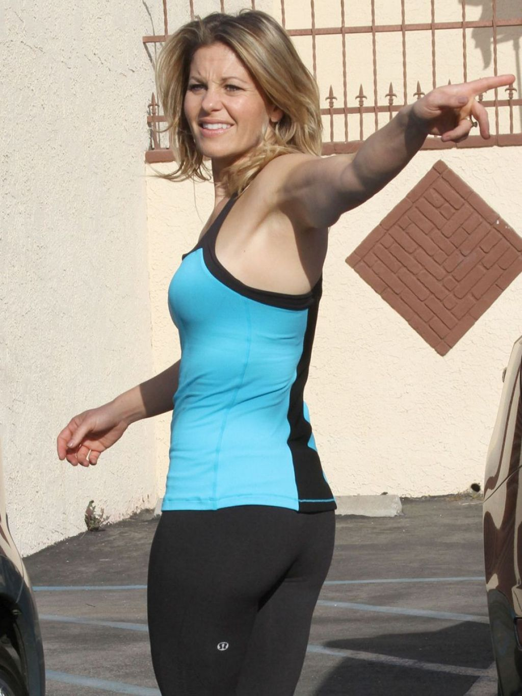 Candace Cameron Bure in Tights at DWTS Rehearsal (Part 2)