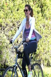 Cindy Crawford Casual Style - Out for a Bike Ride in Malibu