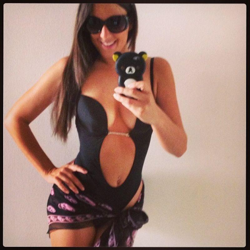 Claudia Romani Can't Stop Selfies