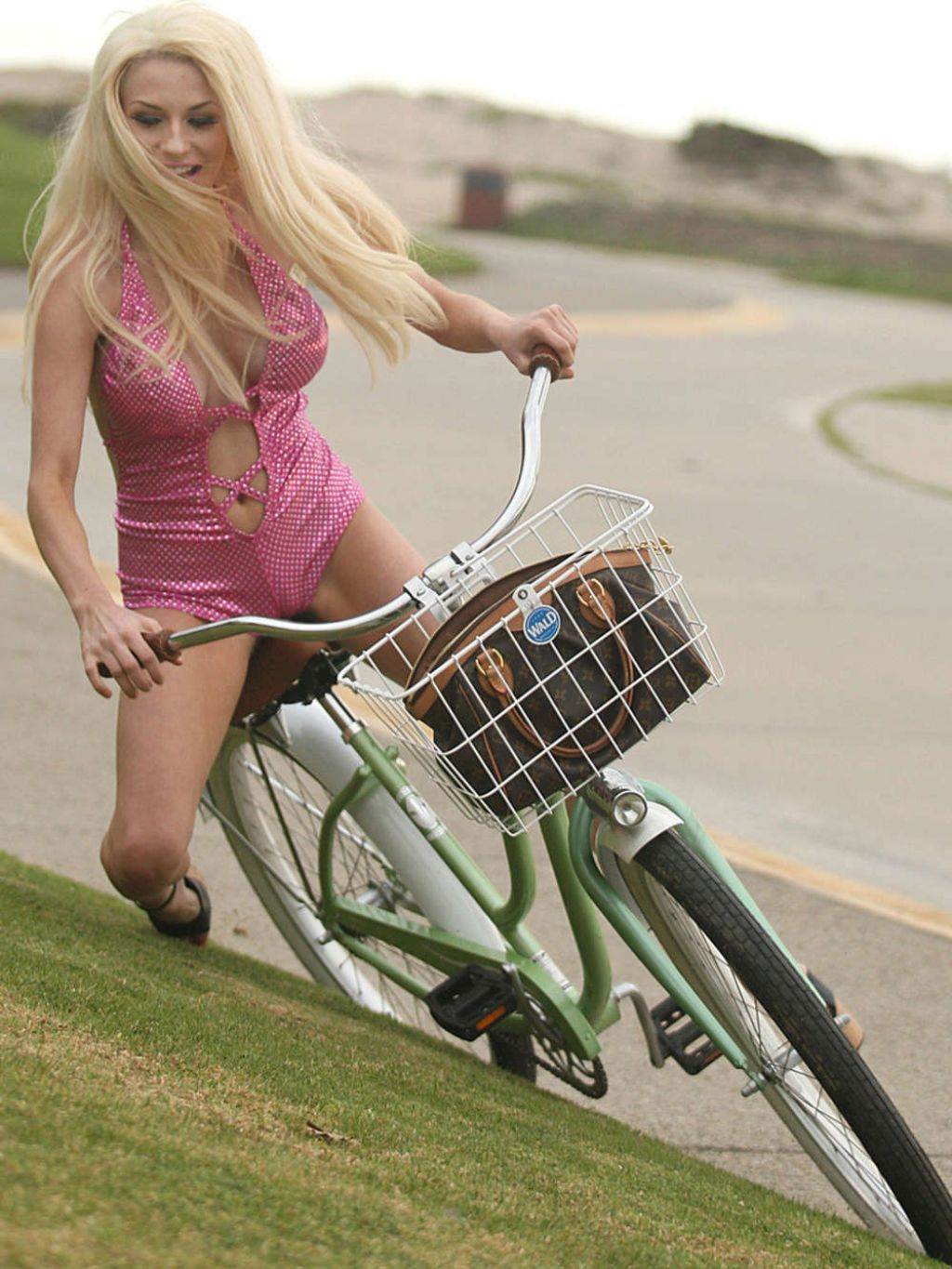 Courtney Stodden In Swimsuit Falls Off Her Bike