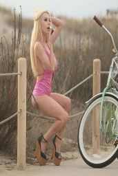 Courtney Stodden in Swimsuit - Falls off Her Bike
