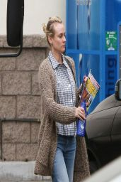 Diane Kruger Stops by a Grocery Store in Hollywood - March 2014