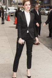 emma-watson-in-fitted-trouser-suit_16