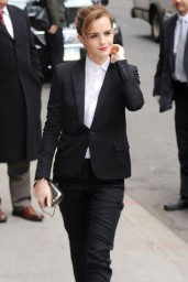 emma-watson-in-fitted-trouser-suit_20