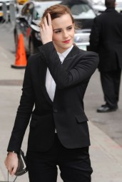 emma-watson-in-fitted-trouser-suit_24