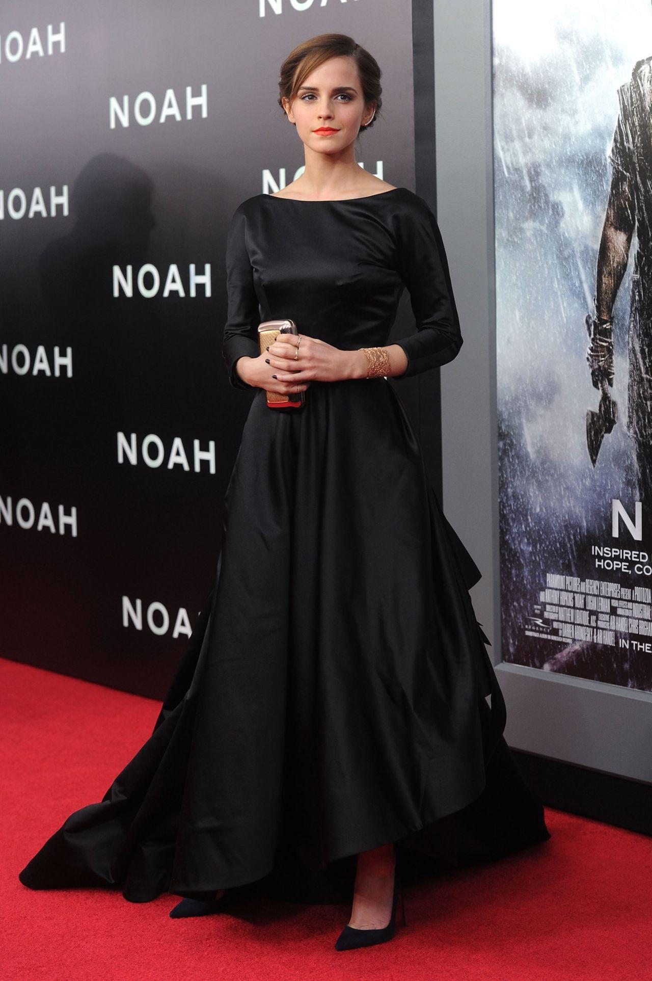 emma watson on red carpet noah premiere in new york city