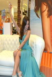 Fernanda Brandao - Presents Her New Summer Fragrance