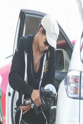 Halle Berry at the Gas Station - March 2014