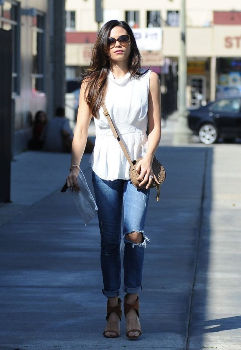 Jenna Dewan-Tatum in Ripped Jeans - out in West Hollywood - March 2014