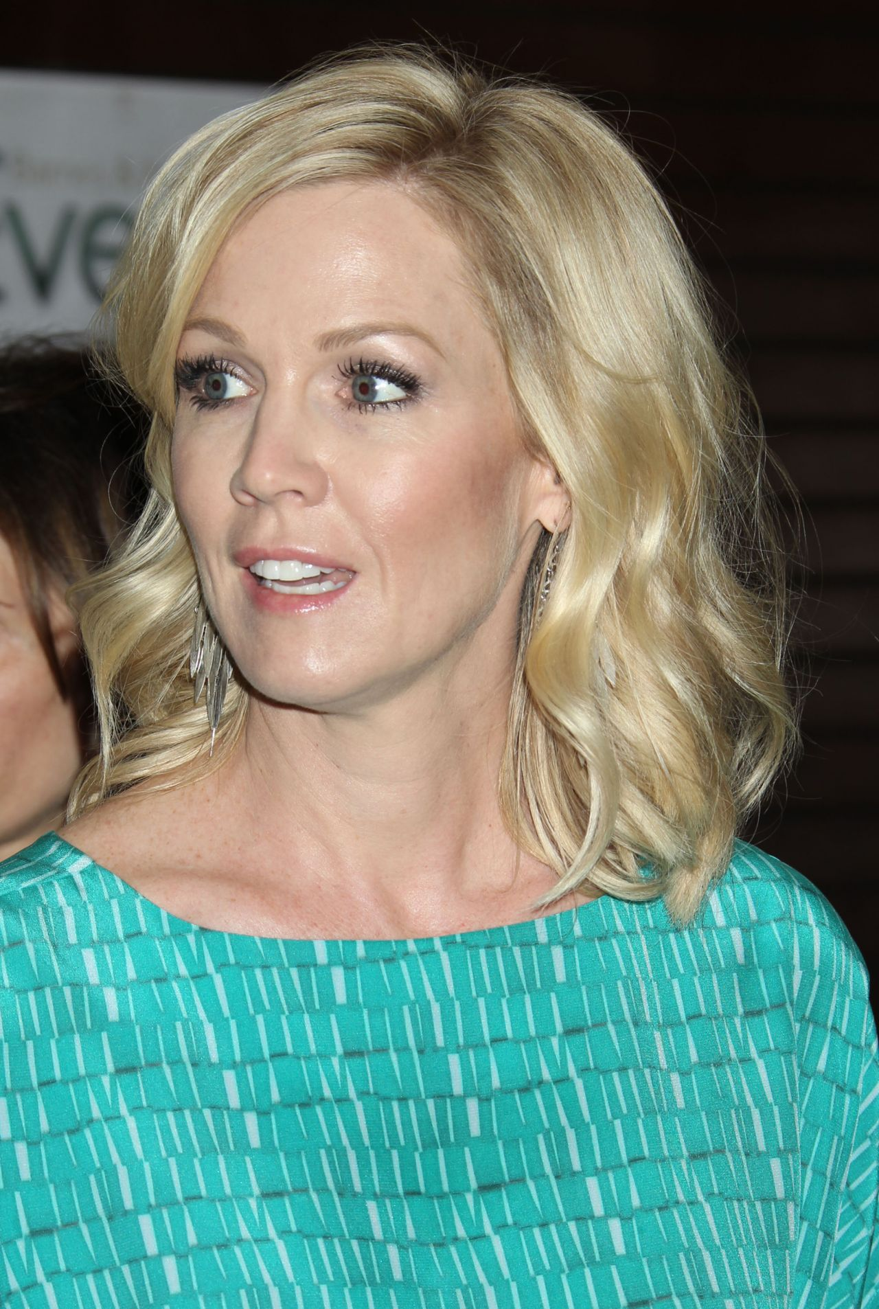 Jennie Garth In Los Angeles Book Signing At Barnes