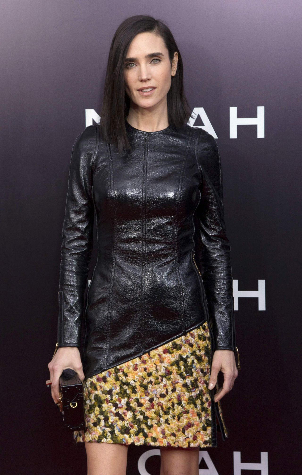laura loves katrina 2 Jennifer Connelly Wearing Louis Vuitton at