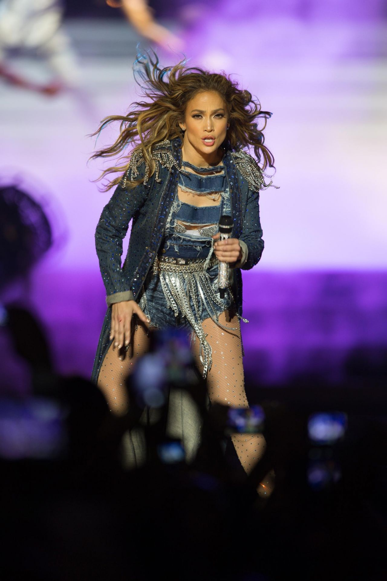 Jennifer Lopez Performs Live at the Meydan Racecourse in Dubai - March 2014