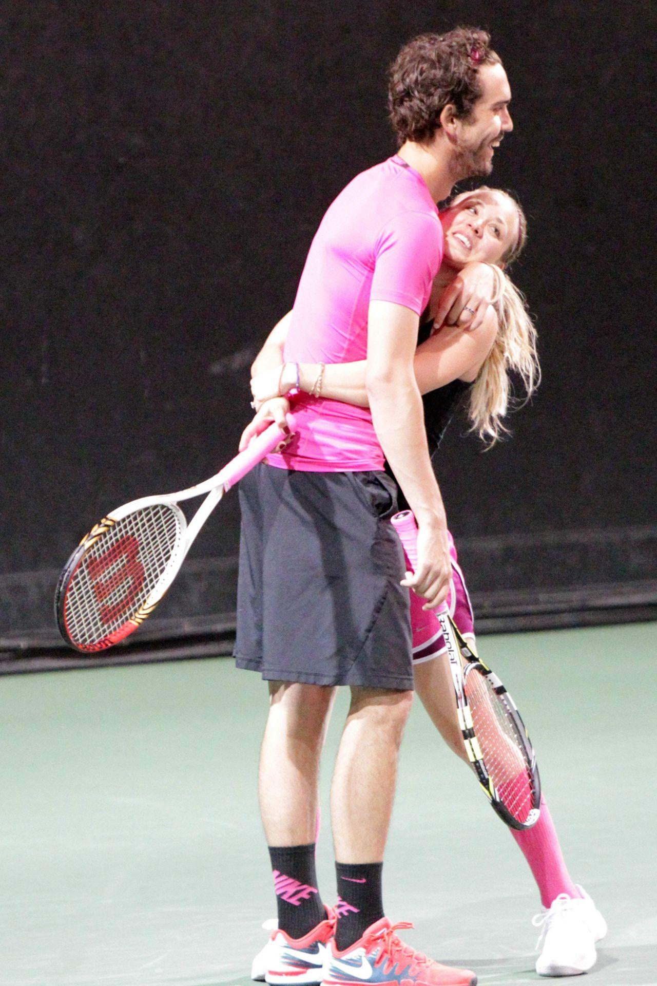 Helen Flanagan Twitter Kaley Cuoco - Tennis M...