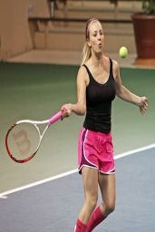 Kaley Cuoco - Tennis Match For Charity in Calabasa - March 2014
