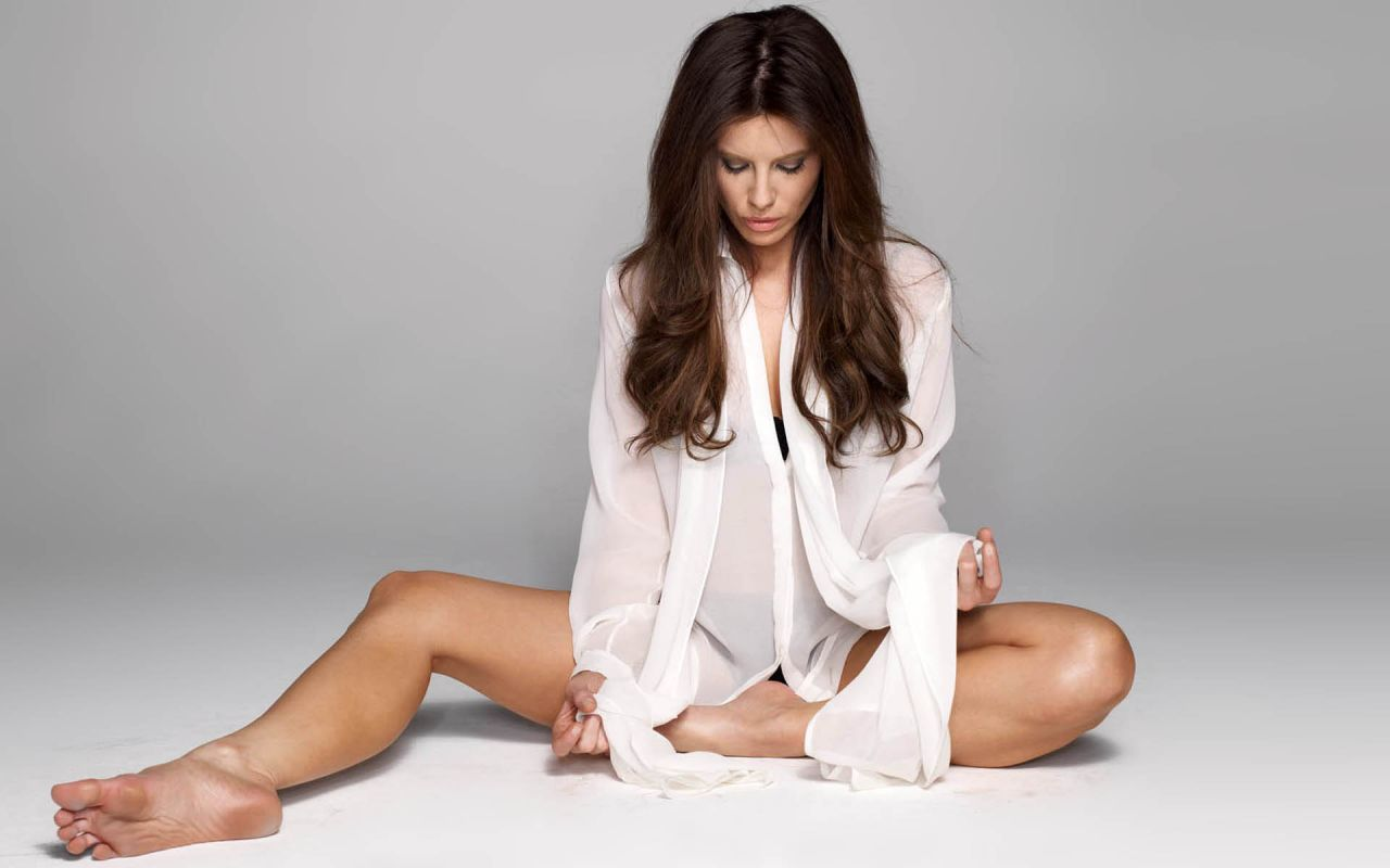Kate Beckinsale Hot Wallpapers 28-4968