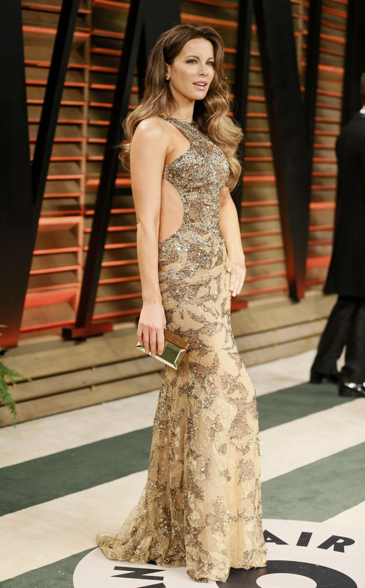 kate beckinsale wearing elie saab gown 2014 vanity fair