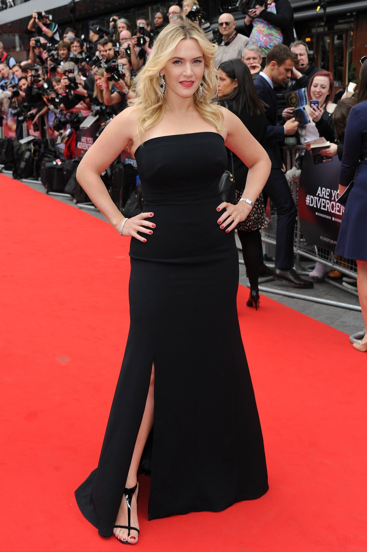 Kate Winslet Wearing Jenny Packham Gown - 'Divergent ...