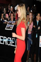 Kate Winslet Wearing Safiyaa Dress at 'Divergent' Premiere in Los Angeles