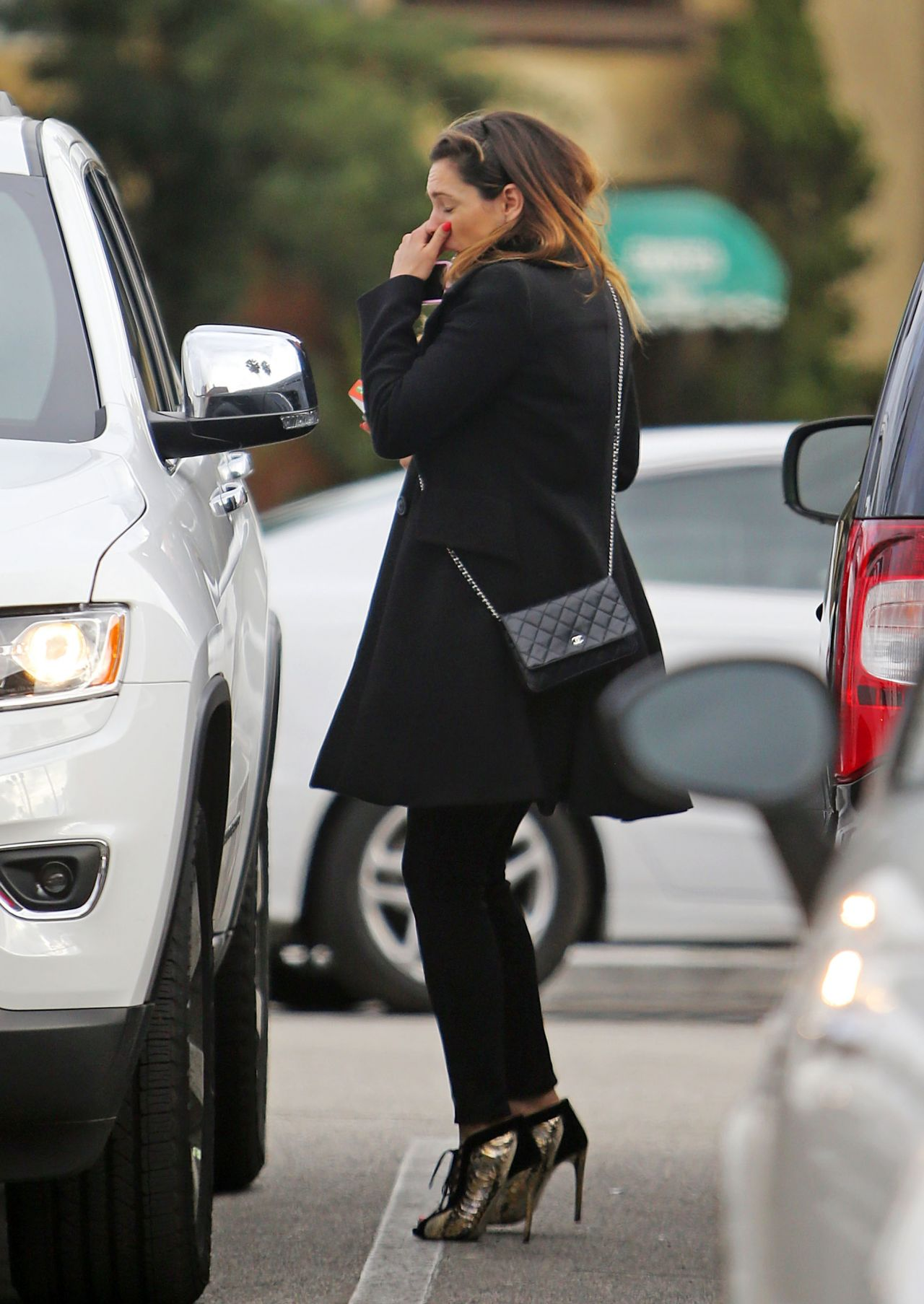 Kelly Brook Sneezes As She Leaves Rite Aid Pharmacy In