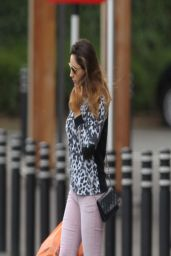 Kelly Brook Street Style - Shopping in North London - March 2014