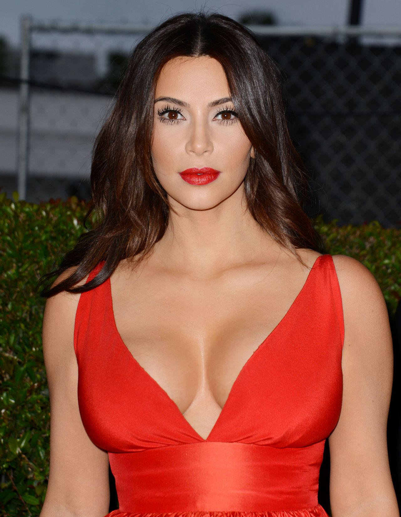 Kim Kardashian Poses as First Lady - Kim Kardashian